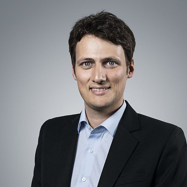 Dr. Jonas Egerer