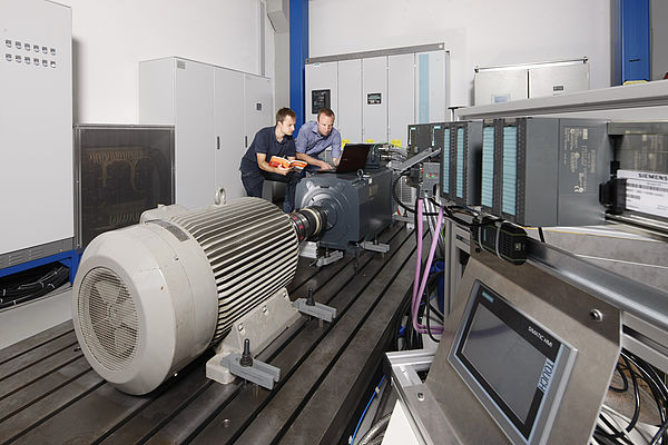 Fertigungsorientierte Auslegung elektrischer Antriebe