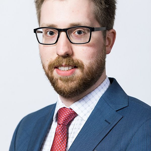 Dr. Harry van der Weijde