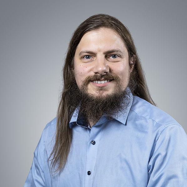 Dr. Lars Schewe