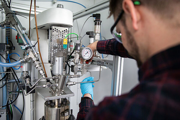 Flüssige organische Wasserstoffspeicher