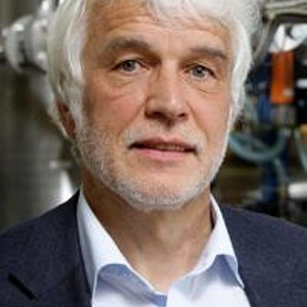 Prof. Dr.-Ing. Eberhard Schlücker